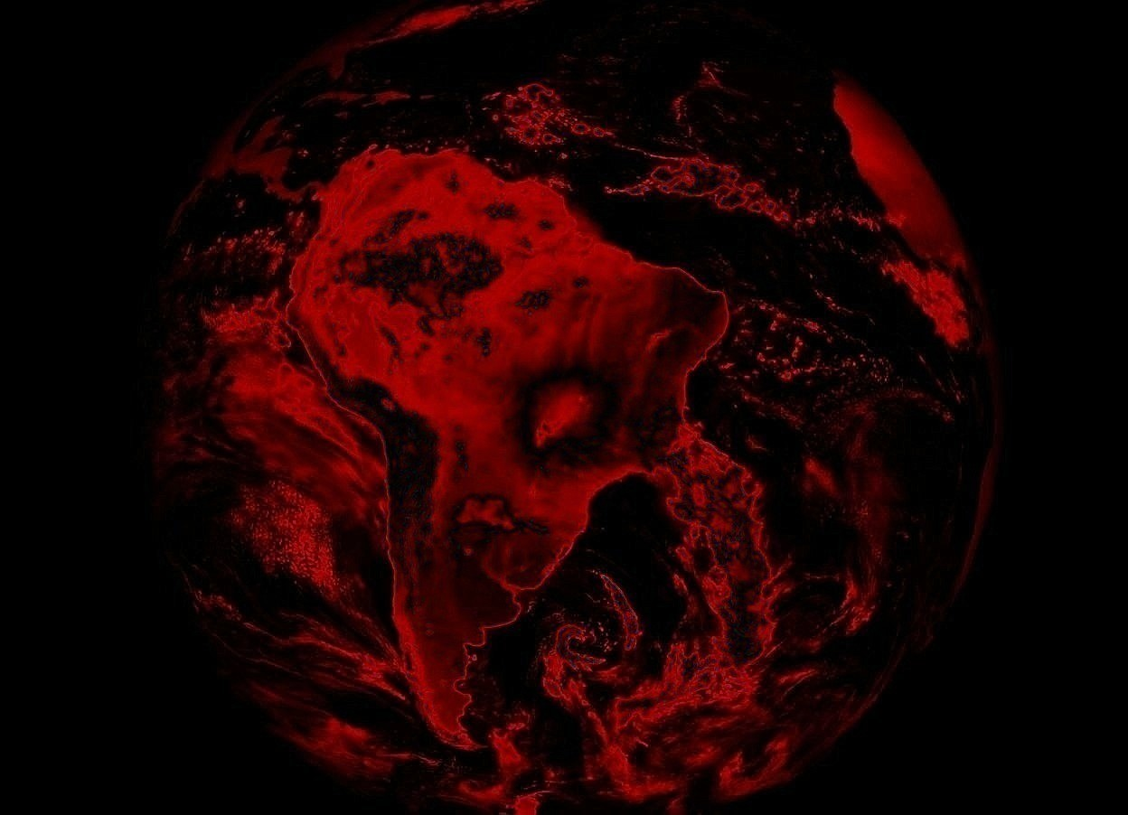 Input text: An opaque earth. Ground is invisible. Sky is black. It is night. Camera-light is low. Camera-light is red.